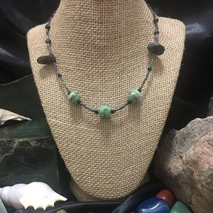 Jewelry - Jade and floral necklace